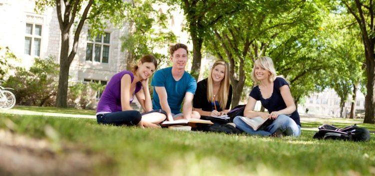 Finansinė parama studentams iš ES išlieka nepakitusi