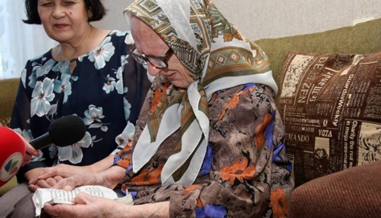 Šiaulietė ilgaamžė, spaudusi ranką A. Smetonai: jį iš prezidentų gerbiu labiausiai