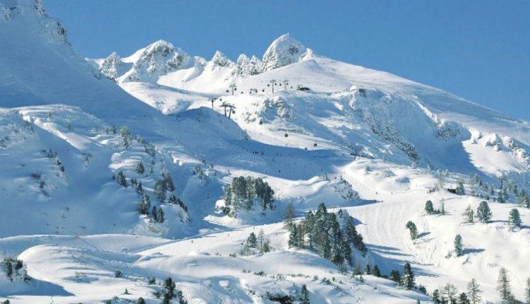 Sniego lavina Prancūzijos Alpėse pražudė keturis slidininkus