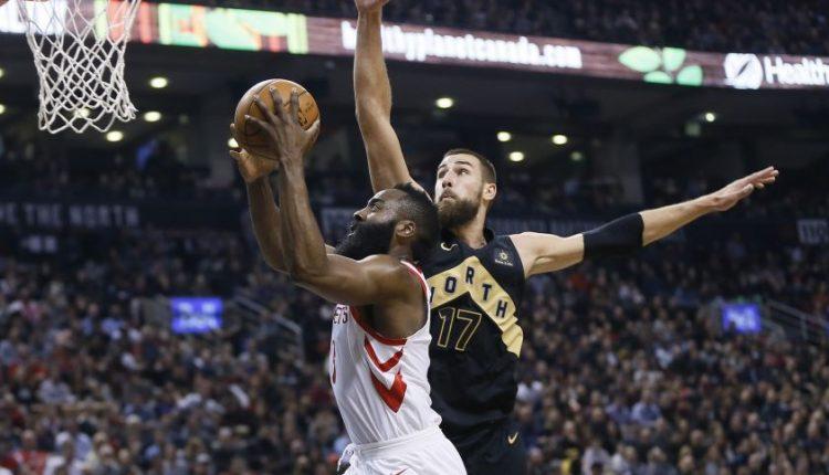 """Lemiamu metu žibėjęs J. Valančiūnas išsaugojo """"Raptors"""" pergalę prieš įkaitusius NBA lyderius"""