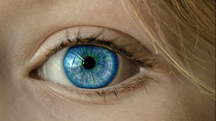 Privačioje mokykloje mokiniui lazeriu išdeginta akis, teismas priteisė žalą