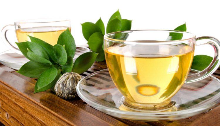Mergina maitinosi tik žaliąja arbata: badas siaubingai iškankino jos kūną