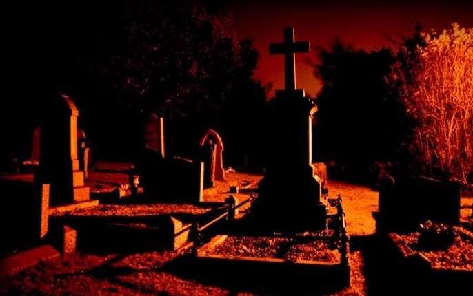 Nekrotinis ryšys arba kai mirusieji tempia į kapus gyvuosius