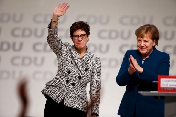 Vokietijos kanclerės A. Merkel partijos vadove išrinkta jos šalininkė A. Kramp-Karrenbauer
